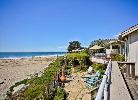 105/The Aquarius *BEACH FRONT/ HOT TUB* photo