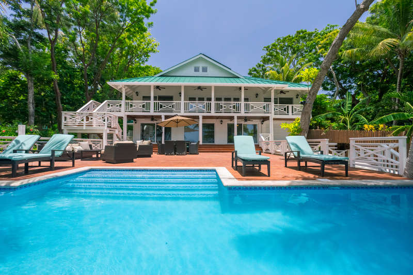 Serenity Beach House photo