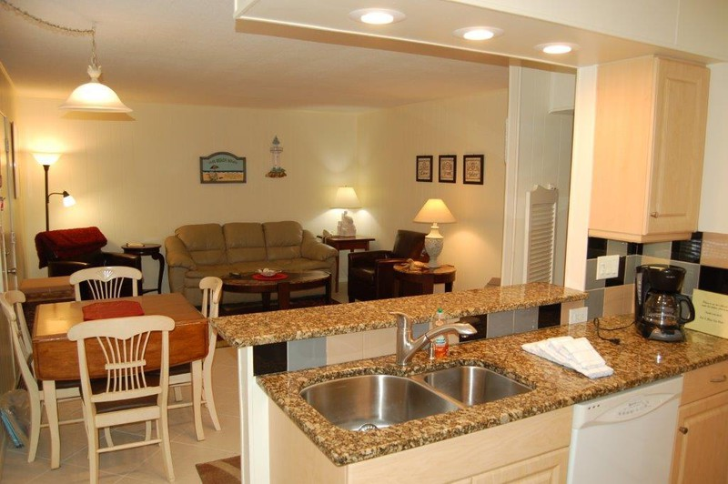 Siesta Beach House #202 Ground Floor, Beautiful updated Unit
