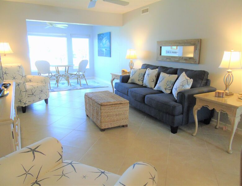 Sunset Royale - 202- Beautiful Views Directly across Siesta Key