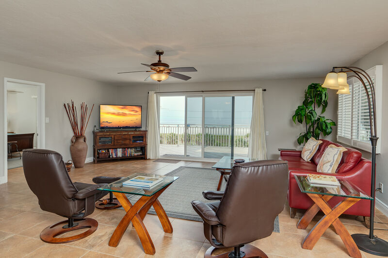 Sunset Royale - 416- Gorgeous 2 Bedroom  Penthouse with Panorami