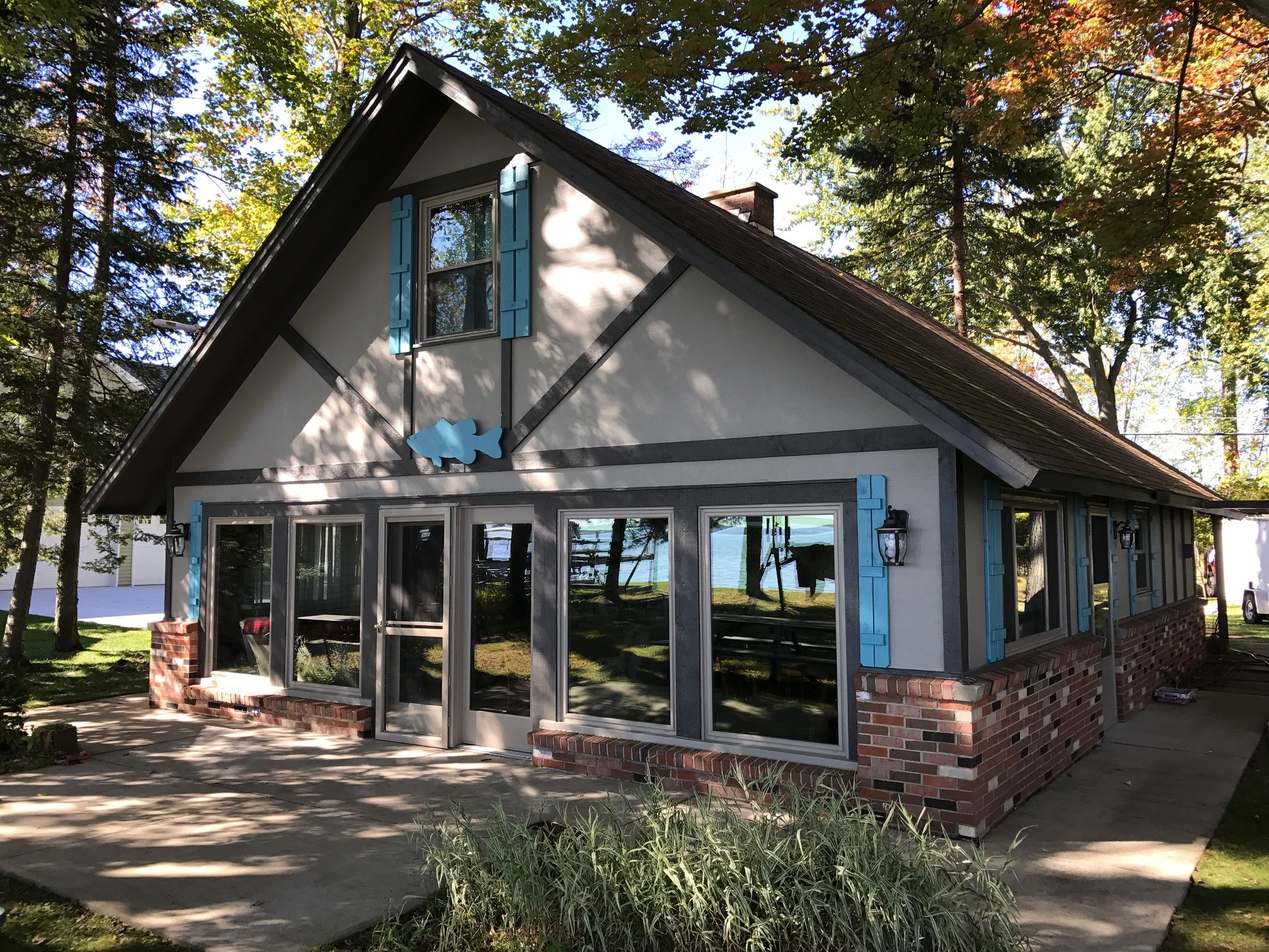 michele cottage cabins rental find lakefront vacation harrison rentals cabin lake townline houghton