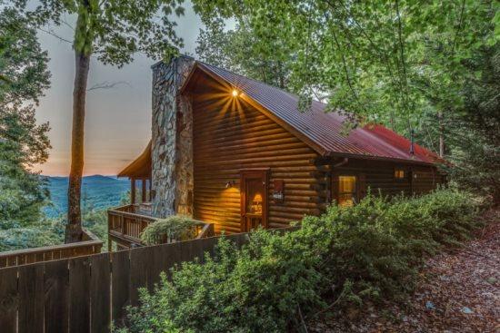 Blue Sky Cabin Rentals Brown Bear Bungalow In Blue Sky