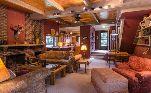 Kingswood Lodge (KW2E) photo