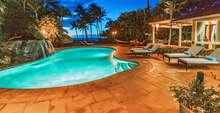 Mango Surf Beach Front Villa photo
