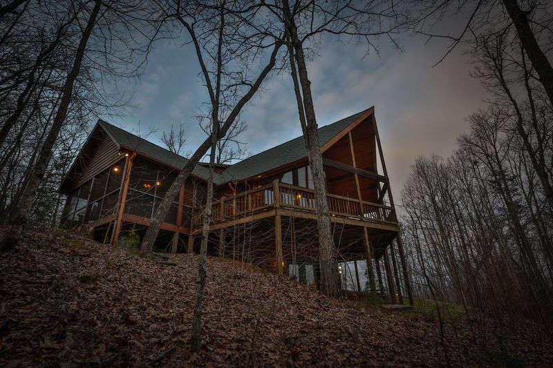 twin cabins cedar rentals gatlinburg dining patriot cabin mountain
